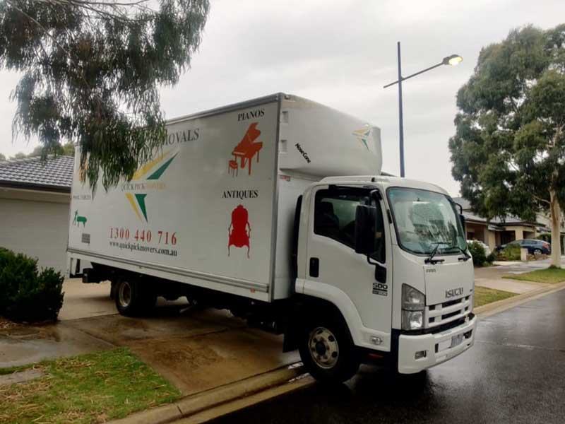 furniture removals Bayswater North